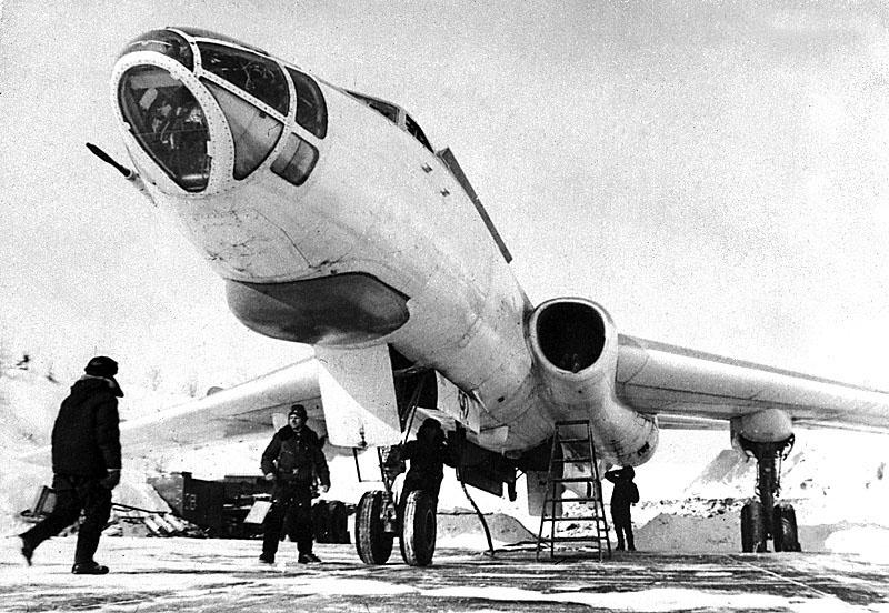Судьба экипажа: Под Владивостоком обнаружили обломки самолета, пропавшего 60 лет назад