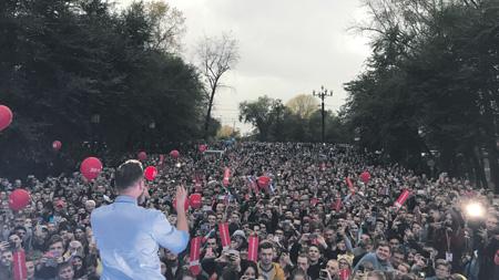 Навальный проник еще в один миллионник