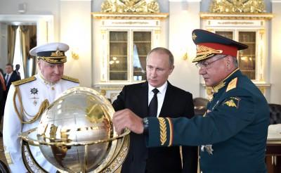 Одним залпом катера президент Путин может остановить смуту на Украине
