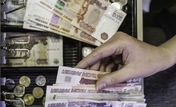 Преступник ограбил супермаркет в Екатеринбурге, загипнотизировав кассиров