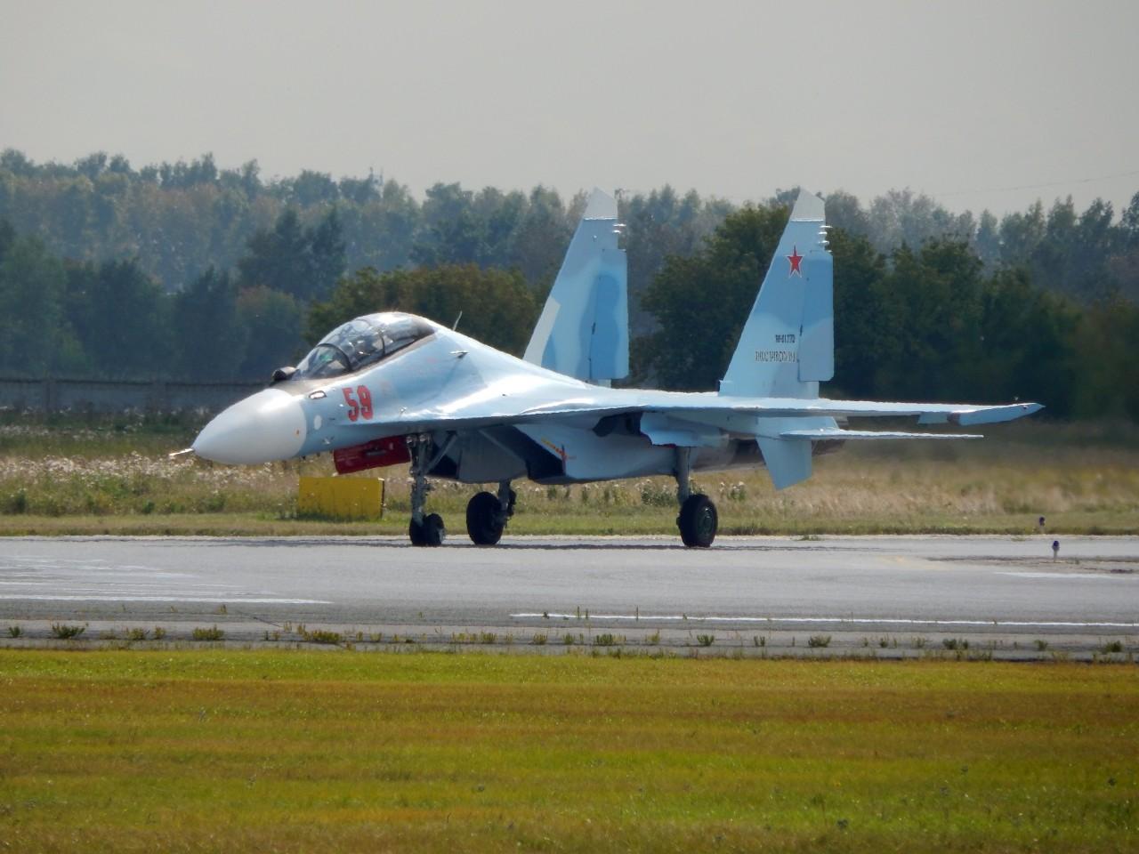 14-й гвардейский истребительный авиационный полк в Курске получил еще четыре истребителя Су-30СМ