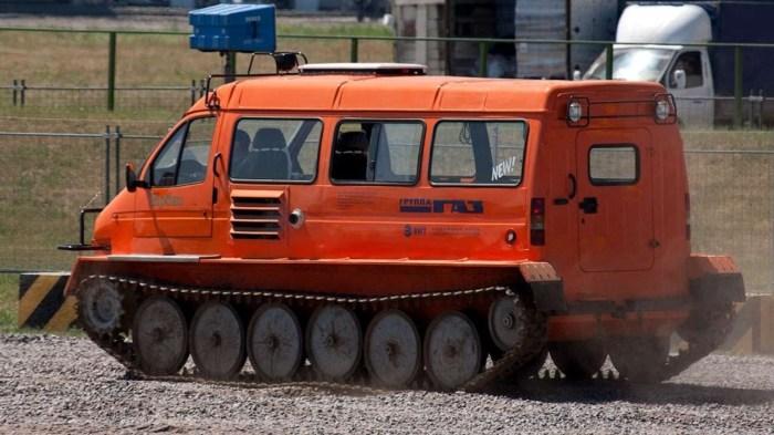 «Ирбис» хоть и получил кузов от «Газели», но это кардинально другая машина.   Фото: youtube.com.
