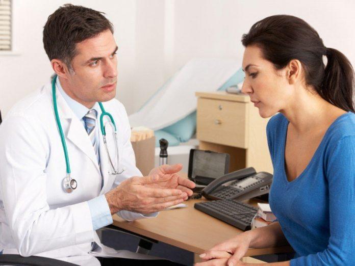Леди умоляла своего врача по…