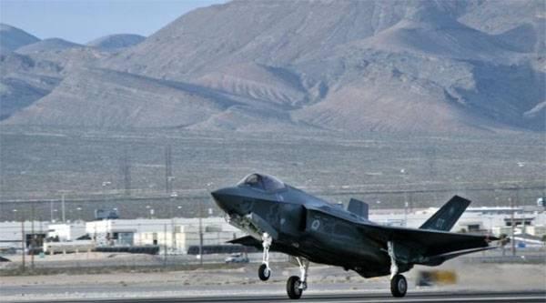 В США снова приостановили эксплуатацию F-35
