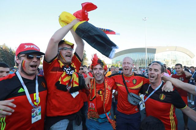 Болельщики на матче Бельгия-Англия