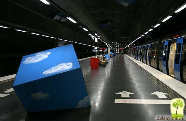 Ошеломляющее метро в Стокгольме – самая длинная художественная галерея в мире, Швеция - 29