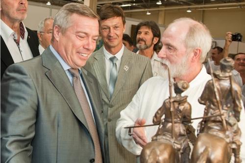 Выставка художников «Юг России 2012» собрала многих  любителей живописи