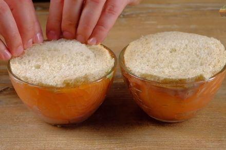 Особенный бутерброд с лососем, авокадо и яйцом пашот. Этап: 5