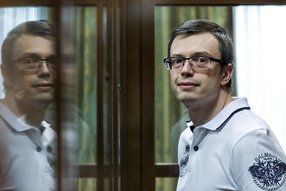 Суд вынес приговор генералу СКР Денису Никандрову