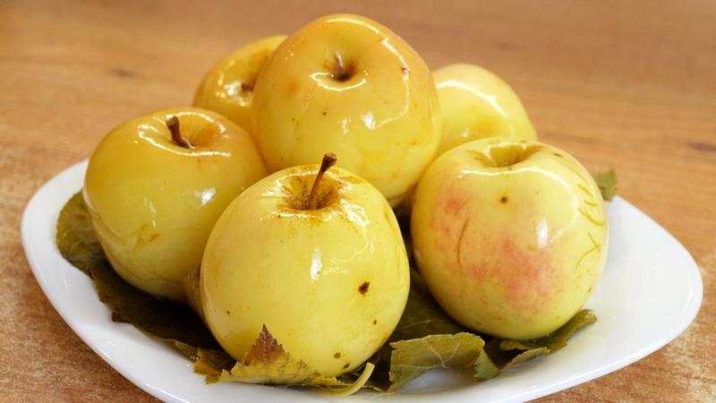 Мочёные яблоки - видео рецепт