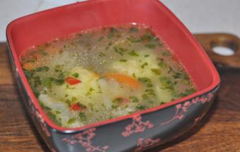 Куриный суп с воздушными клецками