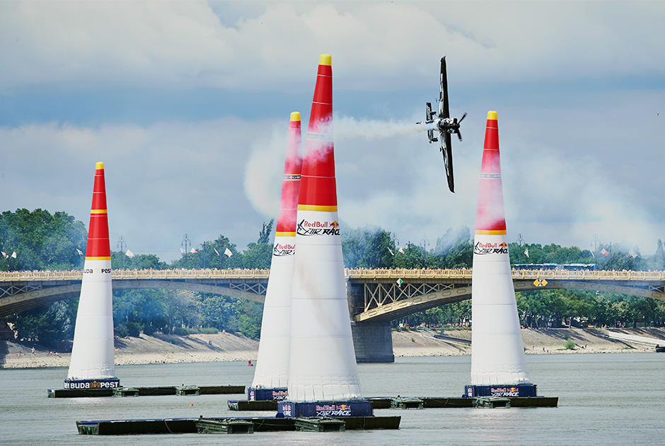 Самые яркие кадры прошедшего в Будапеште Red Bull Air Race