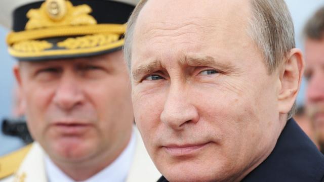 Рейтинг Путина просел на 10% под тяжестью пенсионной реформы