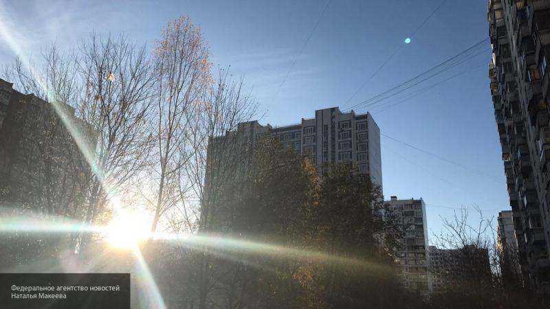 Москвичей в понедельник ожидает теплая погода без осадков