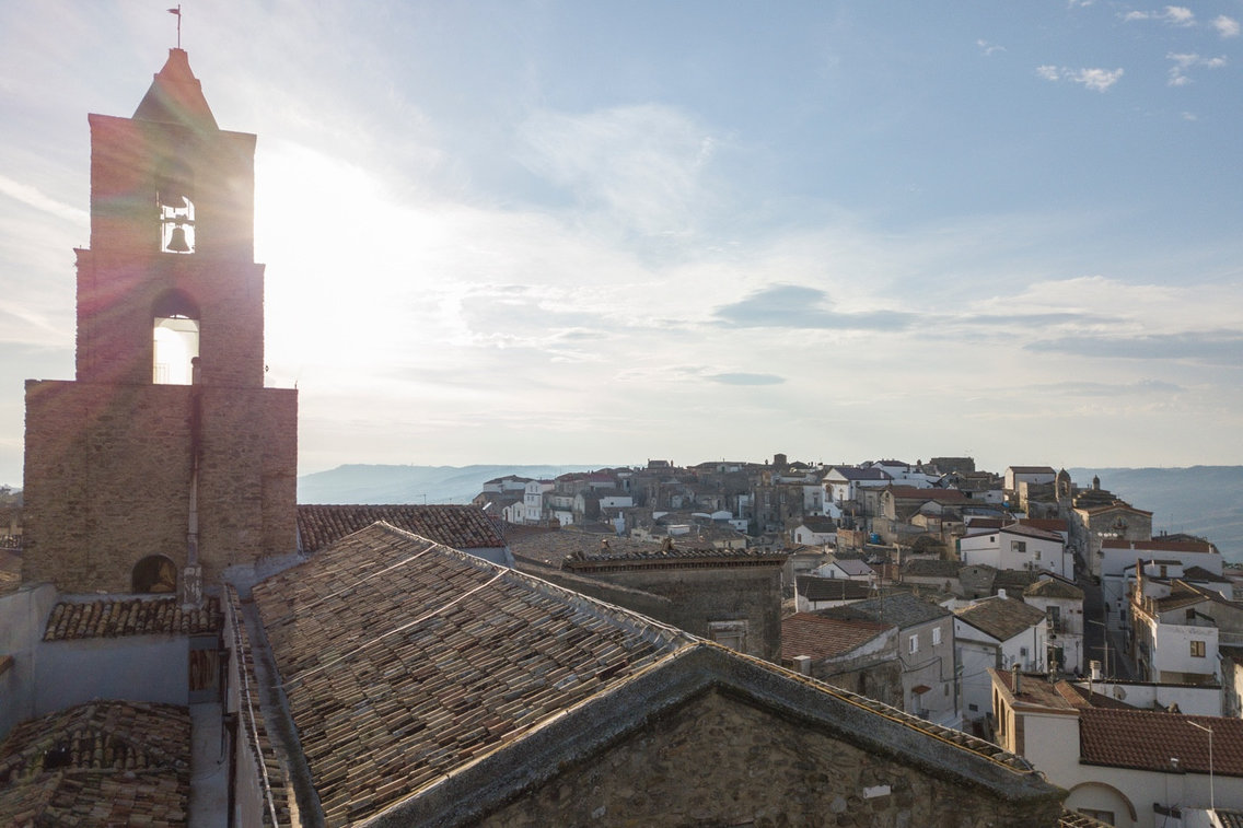 Вы можете приехать в это итальянское село на 3 месяца — и вам еще заплатят