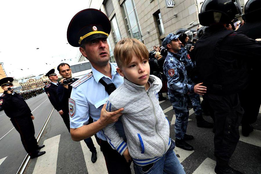 О покорнейше протестующей России