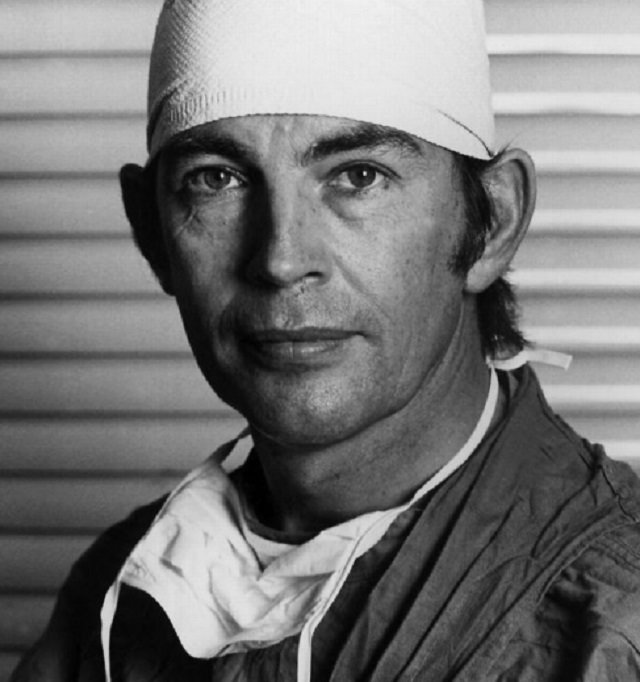 Душа находится в сердце Кристиан Барнард, душа, кардиохирург, находится, сердце