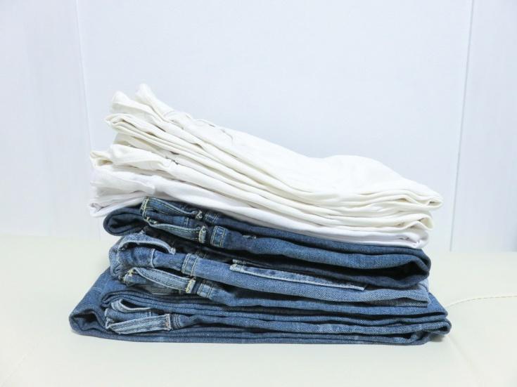 Простой способ сложить компактно джинсы
