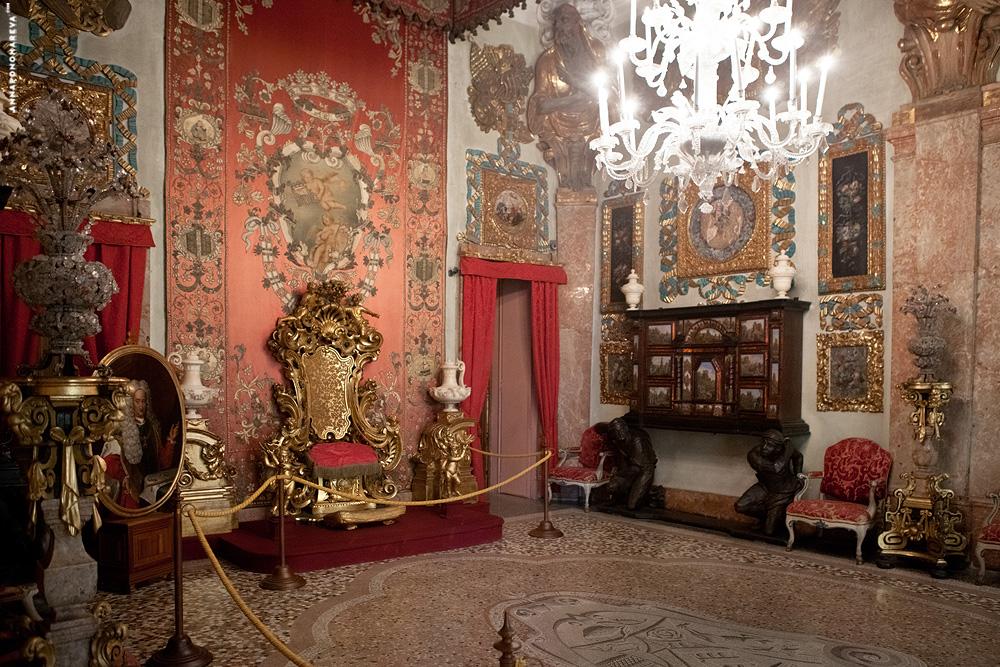 http://dlyakota.ru/uploads/posts/2012-11/dlyakota.ru_fotopodborki_italiya-lago-madzhore-izola-bella-dvorec-borromeo-2012_16.jpeg