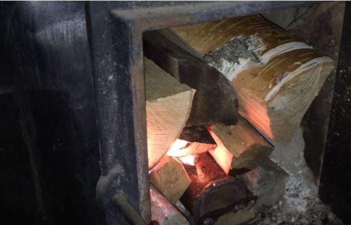 """Метод, который позволит дровам гореть дольше: """"вечное полено"""""""