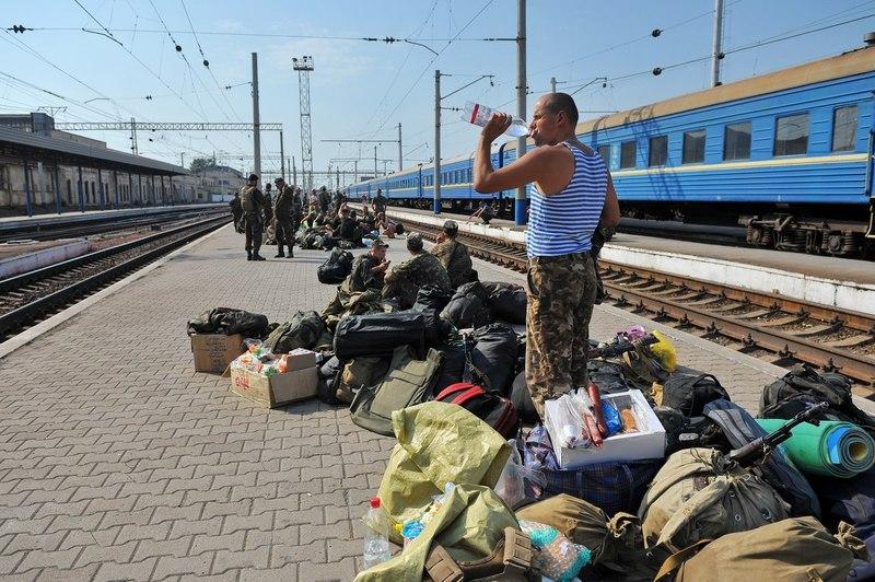 АТОшников в Россию на заработки не пускают.