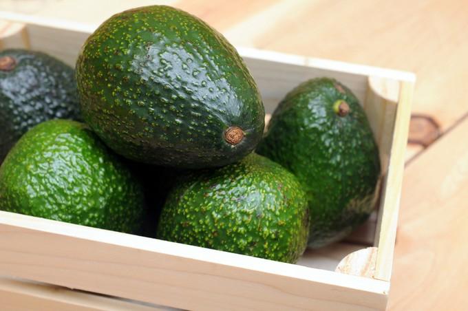 Советы и рекомендации начинающим и опытным кулинарам, как выбрать авокадо