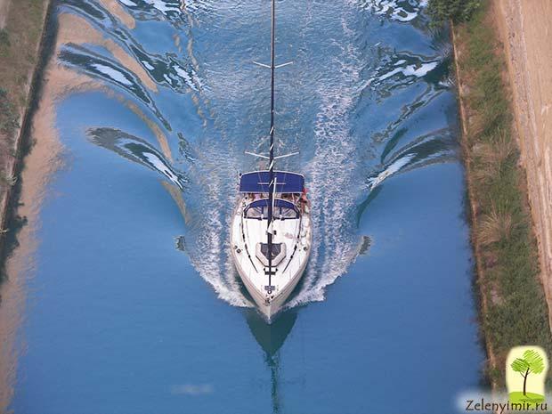 Коринфский канал в Греции – самый узкий судоходный канал в мире - 13