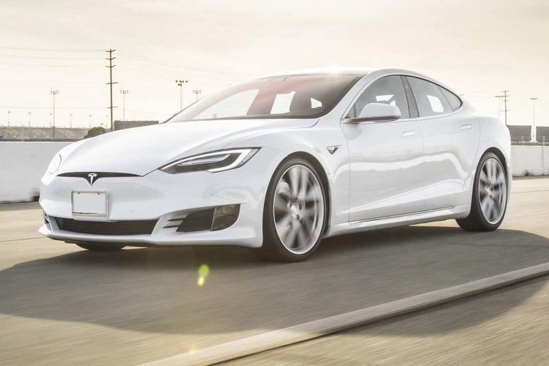 О реальной цене электромобилей Тесла для избранных