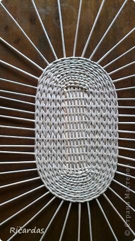 Плетение из газет. Овальные и круглые ХЛЕБНИЦЫ с крышками. Мастер-классы (4) (270x480, 163Kb)