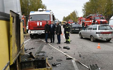 12 человек пострадали в крупной аварии восьми автомобилей