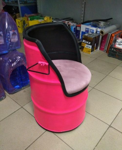 Сделал сам: необычное кресло из бочки
