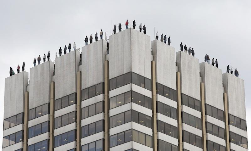 Почему на крыше лондонского небоскреба стоят статуи 84 мужчин