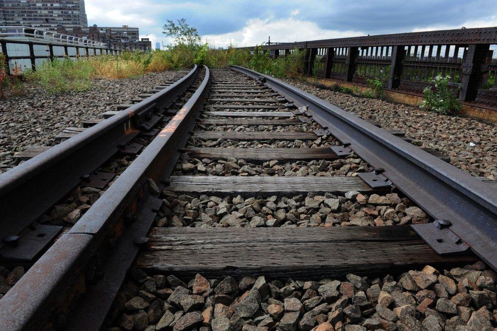 СМИ: Путин хочет снова построить сталинскую железную дорогу смерти