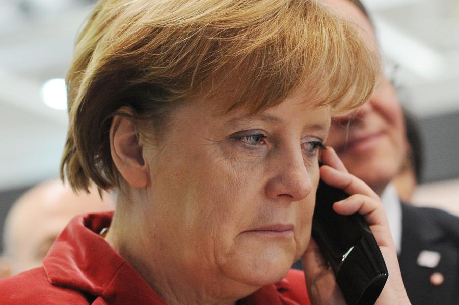 Меркель на проводе