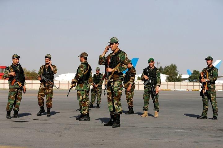 В аэропорту Кабула от взрыва смертника погибли 16 человек