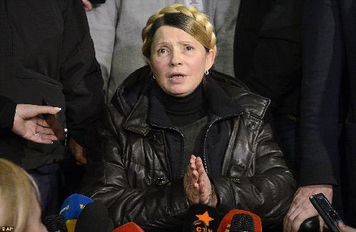 Украинская Бабетта идёт на войну против собственного народа