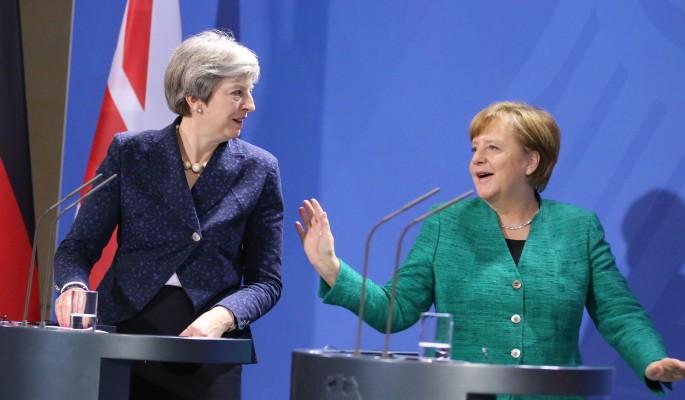 Меркель унизила на людях Мэй