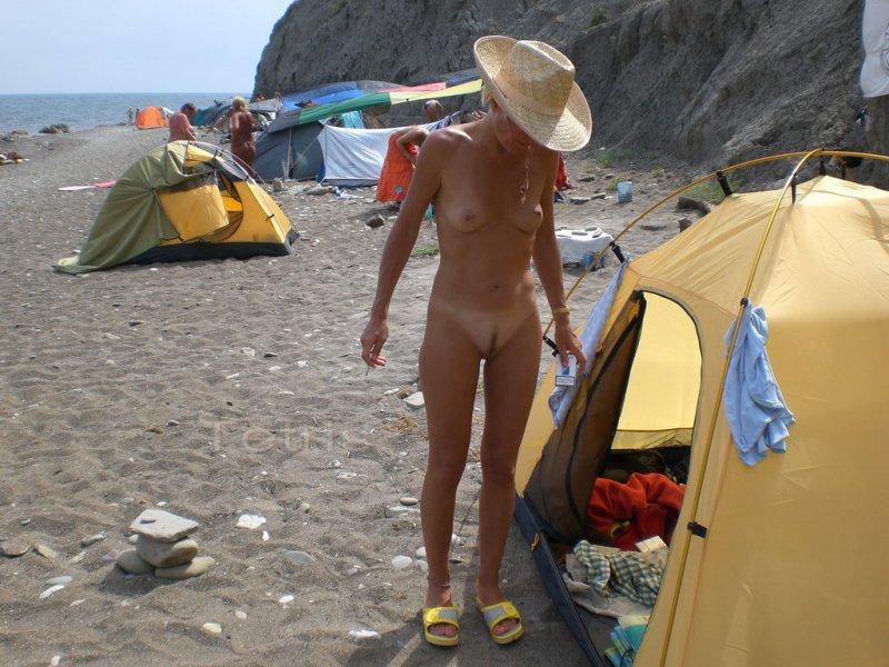 foto-golih-nudiskogo-plyazha