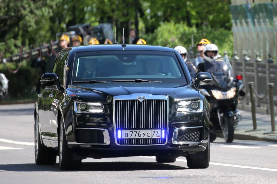 От машин генсеков до «Кортежа» Путина: все автомобили вождей