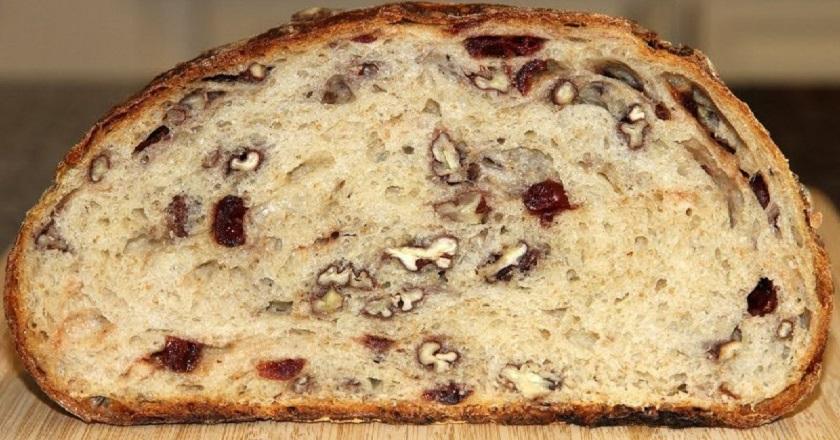 Домашний хлеб с орехами: смешать все ингредиенты и отправить в духовку