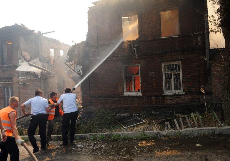 В Ростове-на-Дону горят 12 ч…