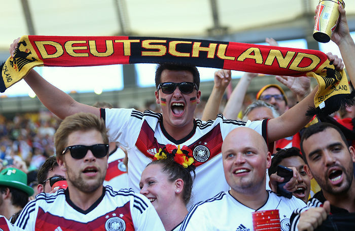 «Это будет душевный чемпионат». Треть миллиона немецких болельщиков наступают на Россию