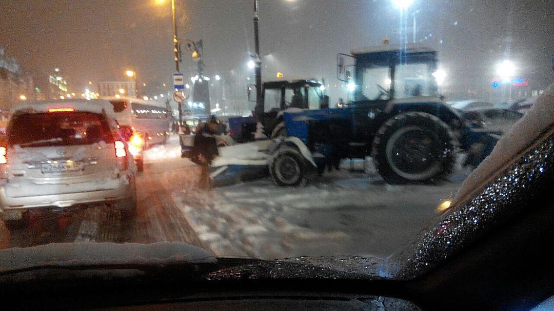 Владивосток 500 аварий за час