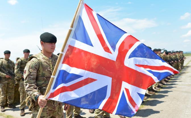 Британский десант промарширует по Крещатику с броском на Донецк