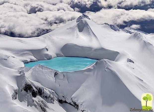Устрашающий вулкан Малый Семячик с кислотным озером. Камчатка, Россия - 8