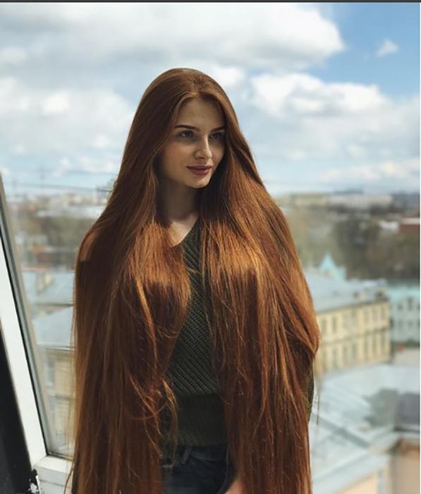 После проблем с собственными волосами Анастасия стала профессиональным трихологом.  Instagram sidorovaanastasiya.