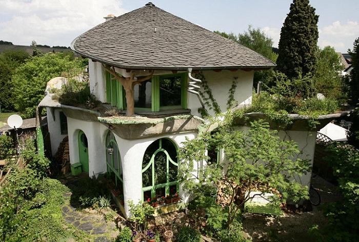 Чем проще, тем лучше: эко-дом, построенный из глины