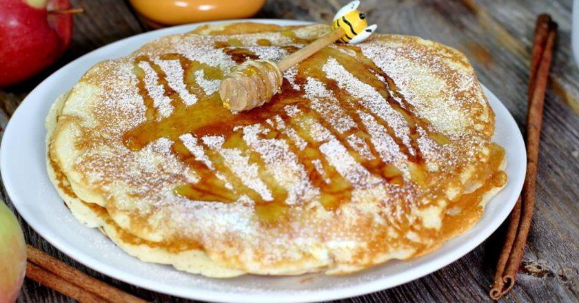 Латвийские яблочные оладьи: новые рецепты предстоящей Масленицы