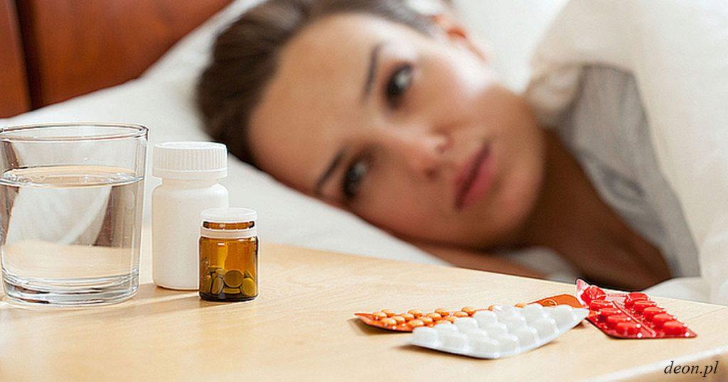 Какие 3 вещи нужно держать на прикроватном столике, чтобы болезнь не застигла вас врасплох