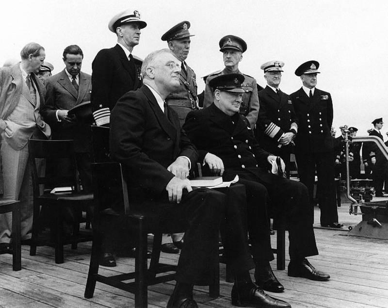 Рузвельт и Черчилль строили свою политику так, чтобы добыть победу преимущественно чужими руками и с минимальными издержками для себя